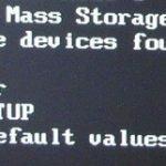Что значит CMOS checksum error - defaults loaded при включении компьютера и как убрать?