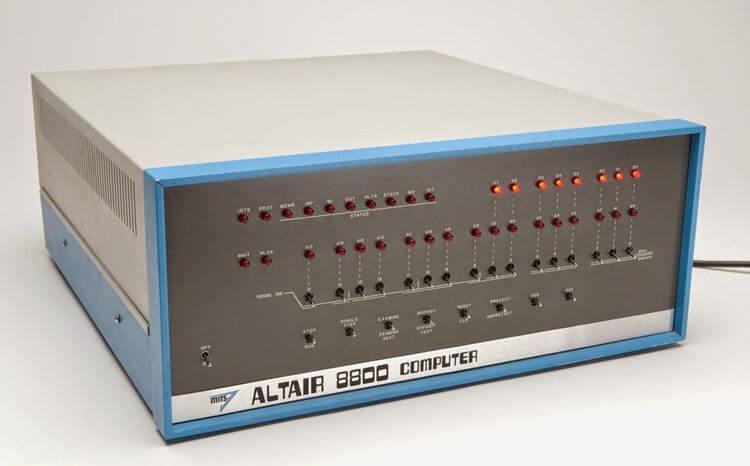 самый первый пк в мире альтаир 8800